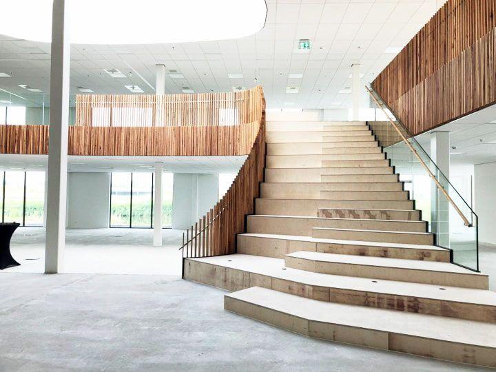 eosta voortgang bouw BG binnenzijde - trap vooraanzicht